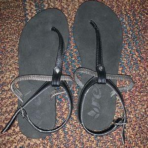 Reef Black Sandals
